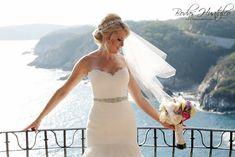 Boda en playa, Bodas Huatulco. Beach Wedding Hair, Wedding Hairstyles, Wedding Dresses, Hair Styles, Fashion, Bridal Veils, Wedding Hair Styles, Beach Weddings, Weddings