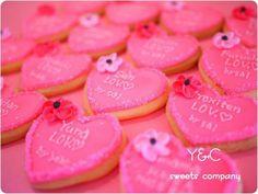 ハワイウェディングとかでこんな濃いピンクのアイシングクッキー配ってたら可愛いなぁ(*´ω`*)