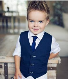 Little Baby Picture, Cute Little Boys, Cute Kids, Cute Babies, Cool Boys Haircuts, Toddler Boy Haircuts, Toddler Hair, Little Boy Fashion, Baby Girl Fashion