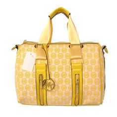 For some women, getting a genuine designer bag is not really something to dash straight into. Because they hand bags can easily be so high priced, ladies usually agonize over their choices before making an actual bag purchase. Cheap Michael Kors, Michael Kors Satchel, Handbags Michael Kors, New Handbags, Handbags On Sale, Replica Handbags, Cheap Mk Bags, Sacs Design, Womens Fashion