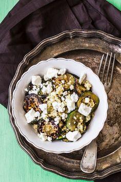 Grillzucchini mit Couscous und Schafskäse | http://eatsmarter.de/rezepte/grillzucchini-mit-couscous-und-schafskaese