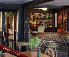 THE RED LION, BADLESMERE - the original and once the only pub around Faversham to have regular live music.