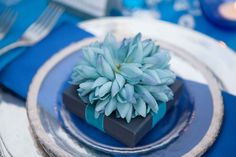 Blue flowers, PAIGE BROWN DESIGNS, PLACE SETTING, www.paigebrowndesigns.com
