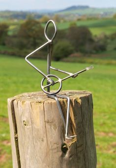 small music sculpture Más