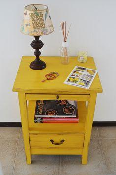 La verdad que en todo este tiempo, siempre tuve clientas hiper macanudas, que se jugaron un poquito o muy mucho, pero siempre confiando 100%... Small Furniture, Recycled Furniture, Refurbished Furniture, Paint Furniture, Furniture Makeover, Vintage Furniture, Furniture Decor, Boho Bedroom Decor, Deco Design