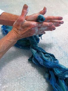 Things I've learned lately...: Nuno Felted Lightweight Shawl with Ruffles – A Tutorial