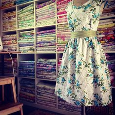 Cool blog... Beautiful dresses made from vintage floral print sheets.