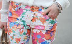 calça com estampa floral