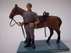 Miniatura em Resina de Soldado e Cavalo da Cavalaria da Polícia Militar do Estado de São Paulo. www.maquinasdecombate.com.br