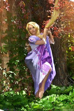 Tangled by elara-dark on DeviantArt Cool Costumes, Cosplay Costumes, Tangled Cosplay, Disney Cosplay, Disneyland World, Geek Squad, Video Game Art, Video Games, Best Cosplay