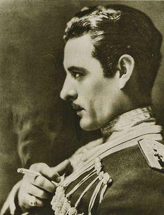 John Gilbert (July 10, 1897 - January 9, 1936), photo 1924. age 27 #actor