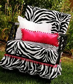 I really want to make my own zebra chair...I have some free time between 3-5am in which I'm not busy and not sleeping.
