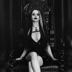 Would you please crawl into my bed gothic beauty в 2019 г. Gothic Girls, Hot Goth Girls, Hot Girls, Goth Beauty, Dark Beauty, Dark Fashion, Gothic Fashion, Latex Fashion, Steampunk Fashion