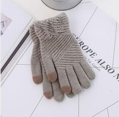 Cheapest Gloves Fashionable Winter Style for Touch Screen Separated Fingers Knitted Fleece Keep Warm Unisex Gloves Grey