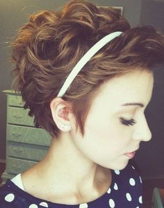 10 Short Hairstyles That Will Be Perfect For The Hot Weather - crazyforus - Hair-Dos - Curly Hair Cuts, Short Hair Cuts, Curly Hair Styles, Natural Hair Styles, Pixie Wavy Hair, Wavy Pixie Haircut, Short Curly Pixie, Curly Pixie Hairstyles, Short Curly Haircuts