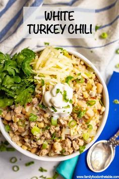 This easy healthy white turkey chili comes together in about 30 minutes with some simple pantry ingredients It s full of hearty ground turkey pieces white beans rice corn and green chilies for a hearty meal turkeychili chili easyrecipe groundturkey Ground Turkey Chili, Healthy Ground Turkey, Healthy Turkey Chili, Crockpot Ground Turkey Recipes, Healthy White Chili Recipe, Turkey Chili Slow Cooker, Recipes With Ground Turkey, Ground Chicken Chili, Turkey Chilli