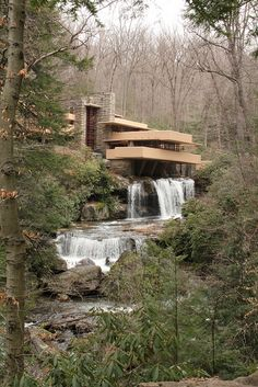 America's greatest architect Frank Lloyd Wright was born on the of June Here is his Fallingwater house. It was completed in Frank Lloyd Wright Buildings, Frank Lloyd Wright Homes, Its A Wonderful Life, Life Is Beautiful, Amazing Architecture, Architecture Details, Wisconsin, Falling Water Frank Lloyd Wright, Falling Water House