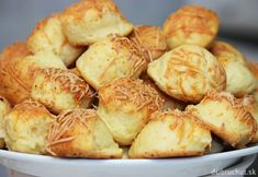 Slané syrové pampúšiky Russian Recipes, Pretzel Bites, Sprouts, Food And Drink, Appetizers, Potatoes, Bread, Vegetables, Nova