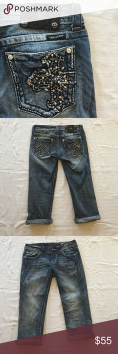 Miss Me Jean Capri Regular wash jean Capri with cross design on pockets with rhinestones. Miss Me Jeans Ankle & Cropped