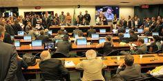 A Diretoria da Federação Nacional dos Policiais Federais (Fenapef), os presidentes dos sindicatos dos policiais federais de todo Brasil e sindicalizados estiveram presentes na tarde de hoje na reuni ...