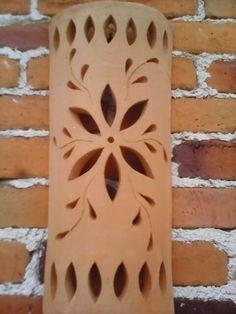 Lampara de barro Slab Pottery, Pottery Bowls, Ceramic Pottery, Pottery Art, Pottery Ideas, Thrown Pottery, Ceramic Lantern, Ceramic Light, Ceramics Projects