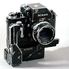 Vintage Cameras Nikon F Nikkor-H motor AA battery pack // - Antique Cameras, Vintage Cameras, Photo Equipment, Photography Equipment, Camera Equipment, Camera Photos, Photography Camera, Pregnancy Photography, Underwater Photography