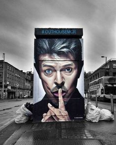Street ARt Tribute to David Bowie By Akse P19 in Manchester
