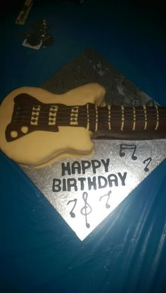 Electric Bass Guitar Cake Cakes and more Pinterest Guitar cake