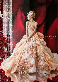 Hello hello, If you looking for the unconventional wedding dresses, these amazing collection might be one of your favorite option to choose for your big day. Stella De Libero Wedding Dresses 2014 Collection combines classical style with contemporary style. Take a look.                                                                Source