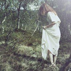 A volte bisogna solo lasciarsi andare, smettere di tendere la corda, sciogliere i nodi dell'anima, tirare un bel respiro e godersi quello che sia ha. Senza ansie, senza smanie, senza paranoie.  Eleonora Della Gatta