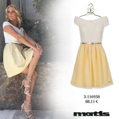 A style winner dress perfectly paired by Elena Asimakopoulou with healed sandals!