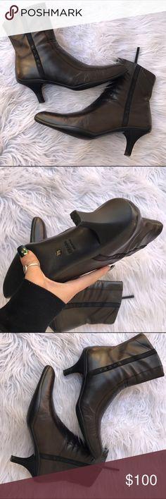 PRADA SZ 7.5 LEATHER BROWN BOOTS BOOTIES HEELS 100% authentic Prada Shoes