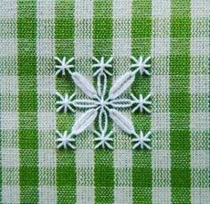 ❣Eski bir nakış tekniği... #pötikareişleme #nakiş #işleme #pitikare #kaneviçe #canvas #elişi #embroidery #nakış #cagework #hobby #vintage #etamin #craft #crochet #love #hobi #crochetlove #handmade #mutfaktakımı #followme #pretty #homedekor #çeyiz #anneminçeyizi #patterns #masaörtüsü  #beautiful #güzelevler #pulleywork http://turkrazzi.com/ipost/1518863566702031237/?code=BUUFl3bjrGF