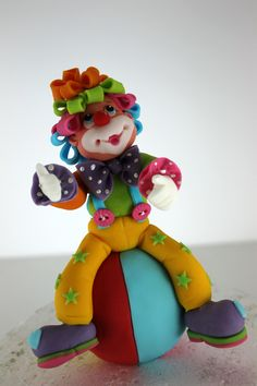 Purim Fondant Figures, Polymer Clay Figures, Fimo Clay, Clay Projects, Clay Crafts, Clown Cake, Biscuit, Circus Cakes, Clown Party
