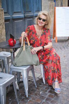 Sylvie Estrade Blog Enfin moi Laura Lee, Grey Hair, Kimono Top, Google, Blog, Style, Fashion, Blue Sandals, Gray Hair