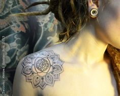 mandala.. I love this, i was actually thinking of getting a mandala with the same placing. this makes me want to all the more.