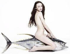 Lizzy Jagger Nude Atop A Dead Tuna - I bet her vaj smells like fish!