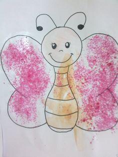 scheda di farfalla realizzata con acquarelli e zucchero colorato