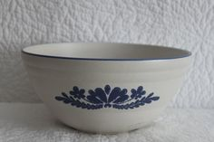 Large Pfaltzgraff Mixing or Serving Bowl Dish by CRAZYMARYSFINDS