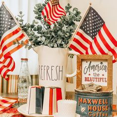 Clover House: Patriotic Table Setting Cool Room Decor, Cheap Bedroom Decor, Unique Home Decor, Cheap Home Decor, Pioneer Woman Dishes, Maxwell House Coffee, Cheap Holiday, Holiday Ideas, Summer Diy