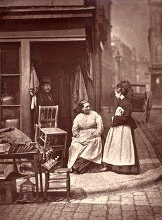 Street life in London, 1876 | amazing historic image | history | 1800s | www.republicofyou.com.au