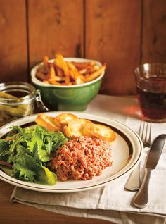 Ricardo& Best Beef Tartare (The Best) Beef Recipes, Cooking Recipes, Healthy Recipes, Tartare Recipe, Best Cooking Oil, Ricardo Recipe, Bistro Food, Steak Tartare, Carne