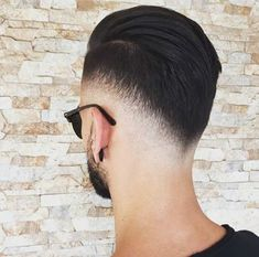 The best haircuts for men are constantly changing. And with so many new fresh men's hairstyles in it can be hard to decide which cuts. Cool Hairstyles For Men, Hairstyles Haircuts, Haircuts For Men, Hair And Beard Styles, Short Hair Styles, Gents Hair Style, Barber Haircuts, Men Hair Color, Faded Hair