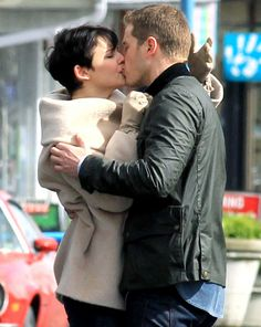 The modern snow & charming *sigh* They are so sweet together. Loving once upon a time.