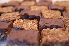 These oats 'n coconut squares-of-goodness started off as traditional South African Crunchies, and as the name suggests, were more crunchy than chewy. Click her Chocolate Oats, Chocolate Recipes, No Bake Desserts, Dessert Recipes, Yummy Recipes, Oatmeal Cookie Bars, Baking Set, Baking Tips, Pastry School