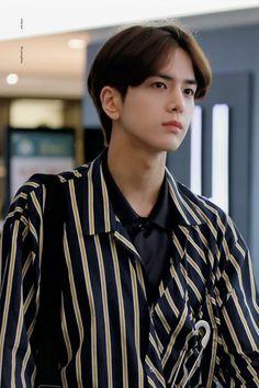 Korean Boy Hairstyle, Kim Young, Korean Short Hair, Today Pictures, Boy Idols, Raising Girls, Korean Celebrities, Celebs, Boy Hairstyles