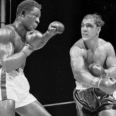 #OnThisDay: Rocky Marciano and Ezzard Charles battled for 15 blistering, bitterly fought rounds LINK IN BIO http://www.boxingnewsonline.net/on-this-day-rocky-marciano-and-ezzard-charles-battled-for-15-blistering-bitterly-fought-rounds/ #boxing #BoxingNews #TheRock #RockyMarciano #EzzardCharles