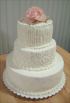 Do it yourself wedding cake could make a main cake like this one easy homemade wedding cakes homemade wedding cakesdiy solutioingenieria Gallery