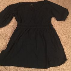 Medium black Shirt Black Sonoma life and style size medium. Elastic band below the chest and flares out. Good condition- only worn a couple of times and not faded. Sonoma Tops