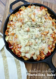 This Italian Scallop Tortellini Bake recipe is delicious and so easy! #SeafoodHOP